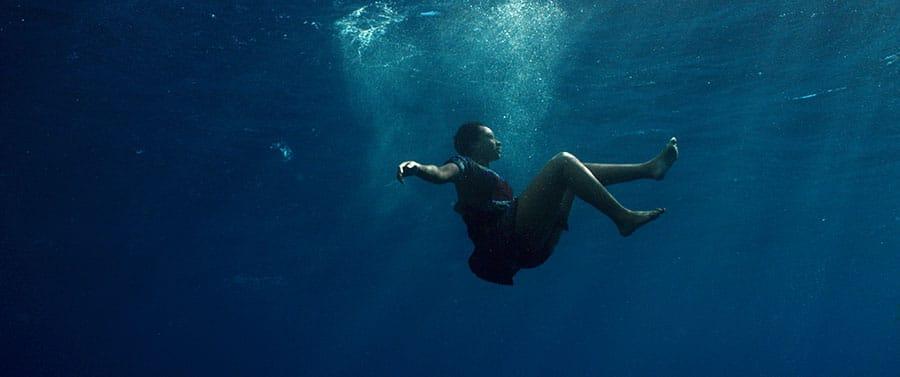 Mortimers-CARGO_underwater